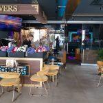 Flowers Lounge
